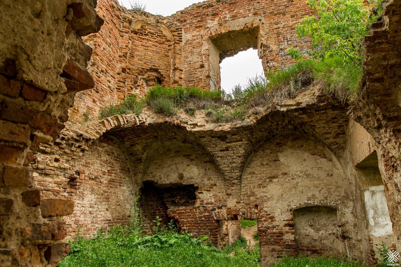 Боковое крыло дворца в Ружанах
